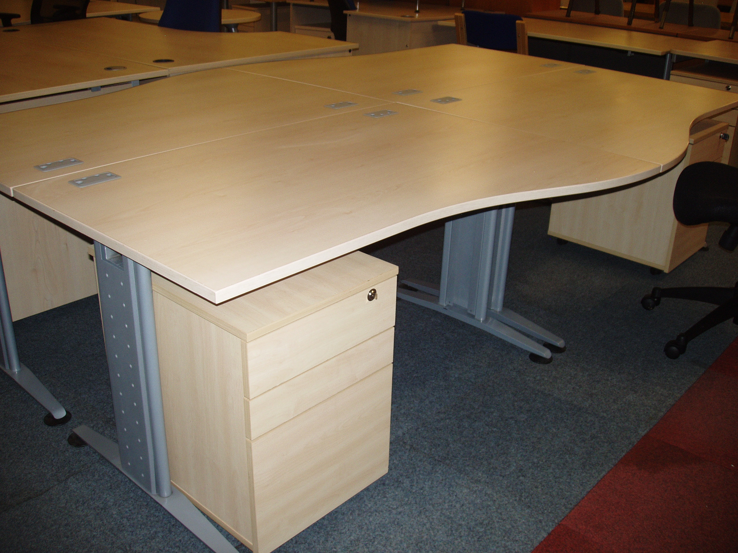 second hand writing desks Transform your office with used office furniture when you shop at officefurnituedirect-pdxcom our business offers a wide selection of l-shaped office desks.